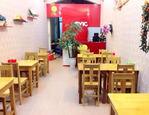 Biến không gian tầng một thành quán ăn nhỏ