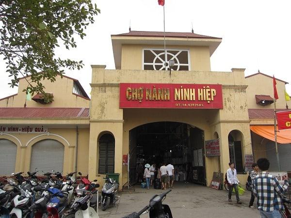 Chợ Ninh Hiệp là một trong những chợ đầu mối lớn nhất miền Bắc