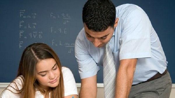 Học sinh có thể nhờ đến sự giúp đỡ của thầy cô