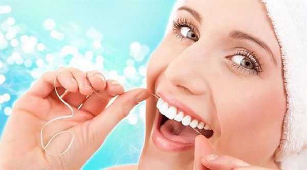 Tìm hiểu về răng sứ HT Smile