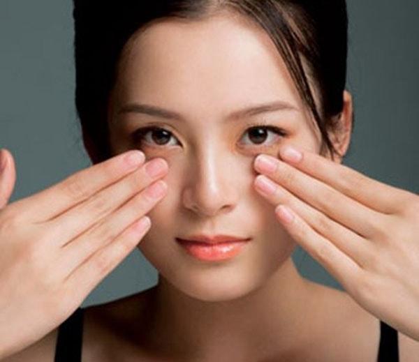 Hướng dẫn cách chăm sóc mắt mệt mỏi 2