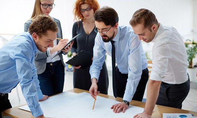Học hỏi từ đồng nghiệp giúp giảm thiểu sự bất đồng