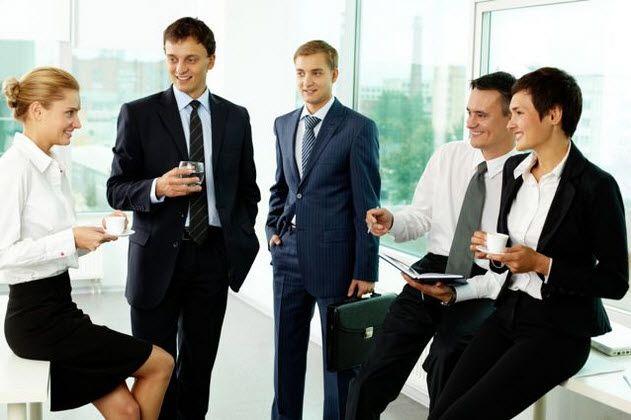 Chủ động làm quen, mở rộng mối quan hệ cá nhân với đồng nghiệp