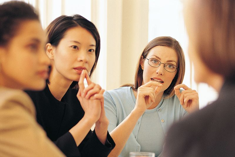Biết cách lắng nghe khách hàng
