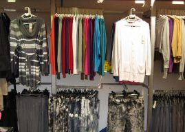 Shop quần áo nam có diện tích nhỏ nên trang trí thế nào phù hợp?