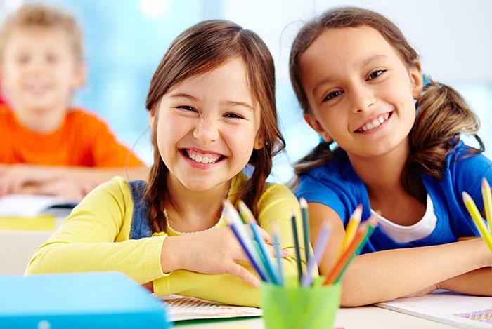 Tìm hiểu đặc điểm lứa tuổi, giới tính, hoàn cảnh… là những bước đầu tiên khi gia sư muốn nắm bắt được tâm lí học sinh