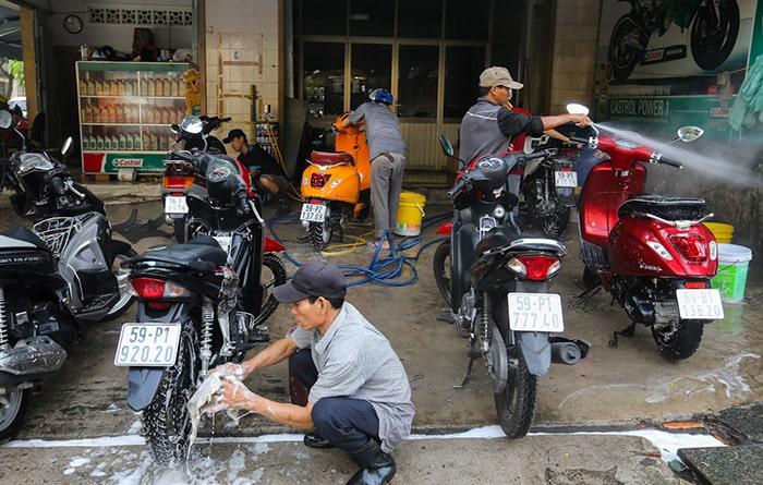 Chi phí thuê nhân lực rửa xe