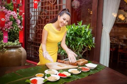 Hoa hậu Thu Hoài kinh doanh món ăn Đài Loan