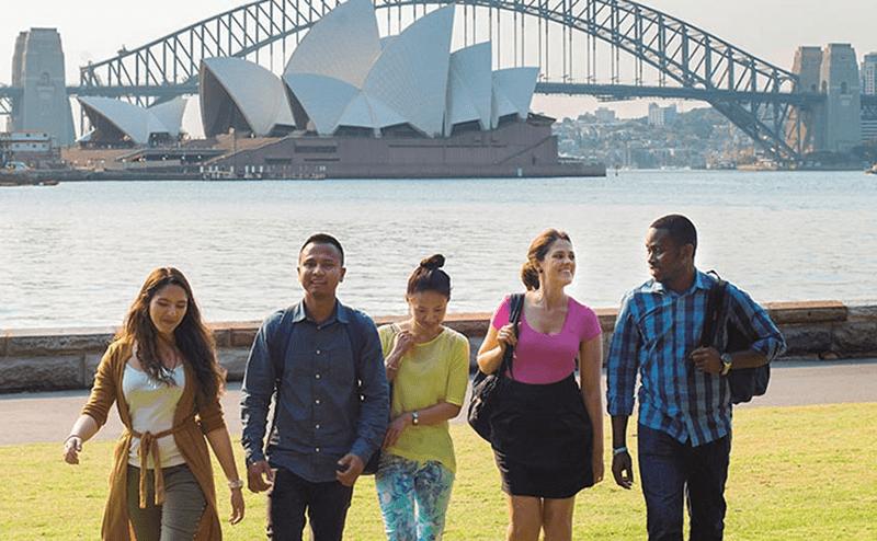 Gia Linh hỗ trợ bạn đầy đủ các thủ túc để du học Úc
