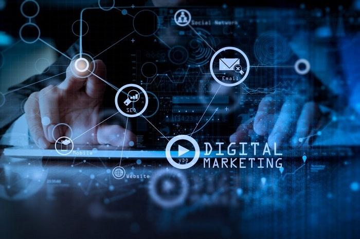 Digital Marketing giúp giúp nghiệp dễ tiếp cận hơn với khách hàng